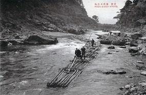 明治期の保津川の筏流し